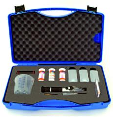 Kufřík ARIANA pro testování kvality řezných emulzí s refraktometrem - 1 sada