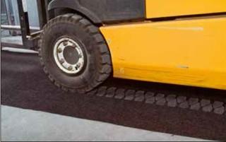 Nepropustný zátěžový koberec TRAFFIC UNET 9130